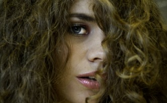 Lissage brésilien sur cheveux frisés